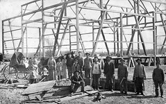 1910 - Wes Albert barn raising