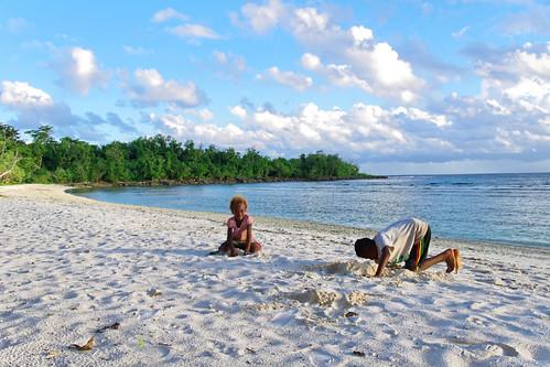 vanuatu efate nivanuatu beach happykids