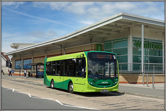 Southern Vectis 2712, East Cowes