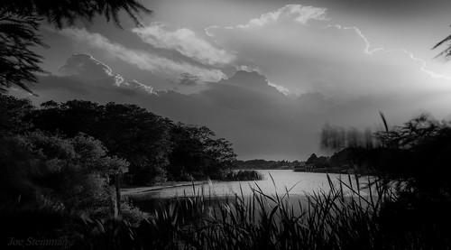 lake bw clouds illumination light dramaticlight inspirational beauty naturalbeauty naturesbeauty atmosphere