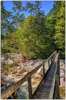 Austria - Holzbrücke über den Gosaubach