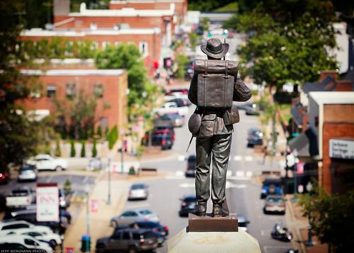 sylva northcarolina view courthousehill mainstreet downtown americana america plottbalsammountains jacksoncounty