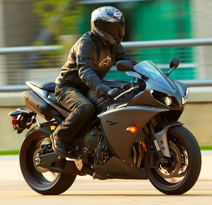 Yamaha YZF-R1 1000 2012 - 11