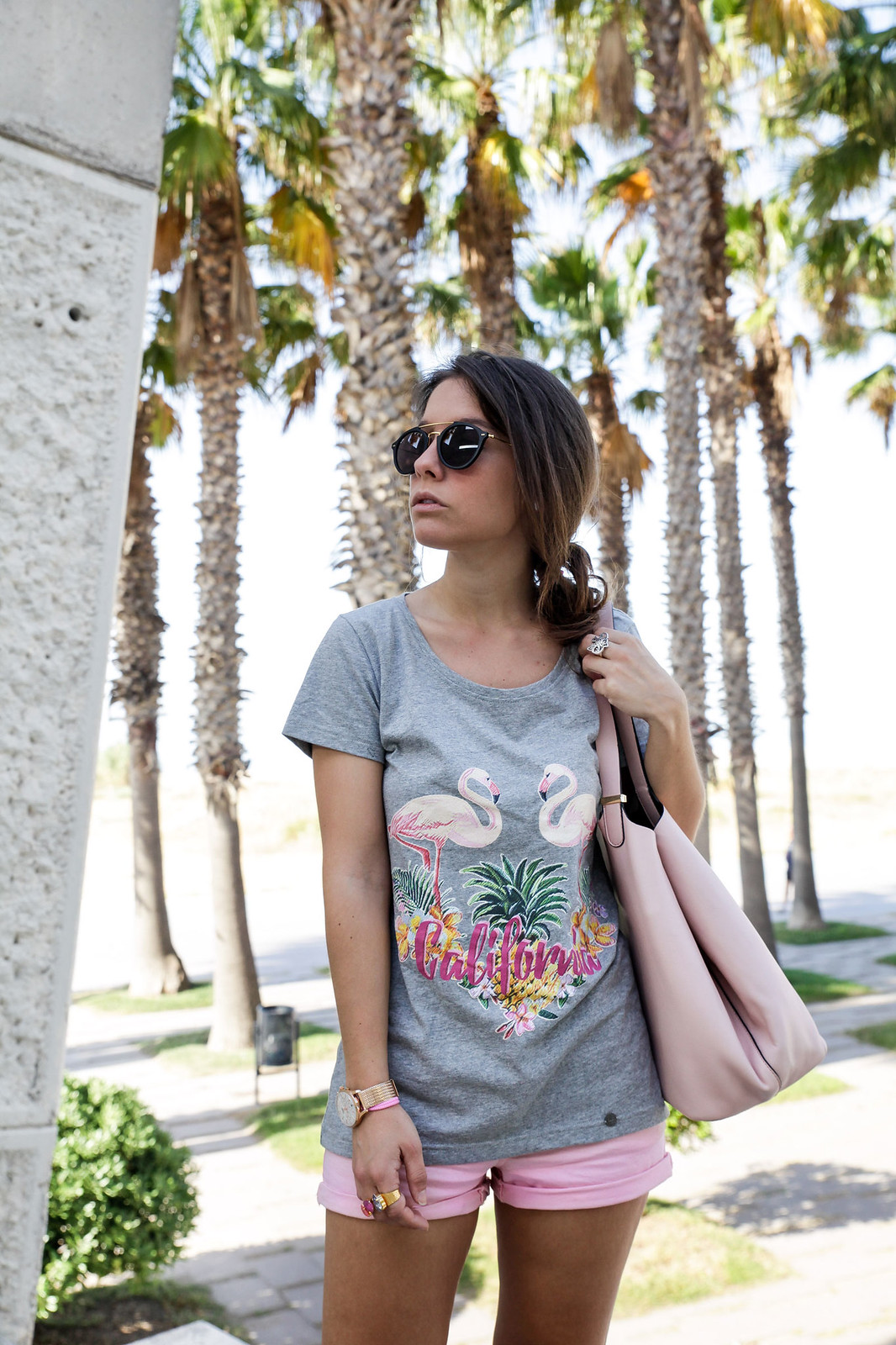 08_California_girl_rüga_shirt_flamingos_theguestgirl_LA_Barcelona_beach