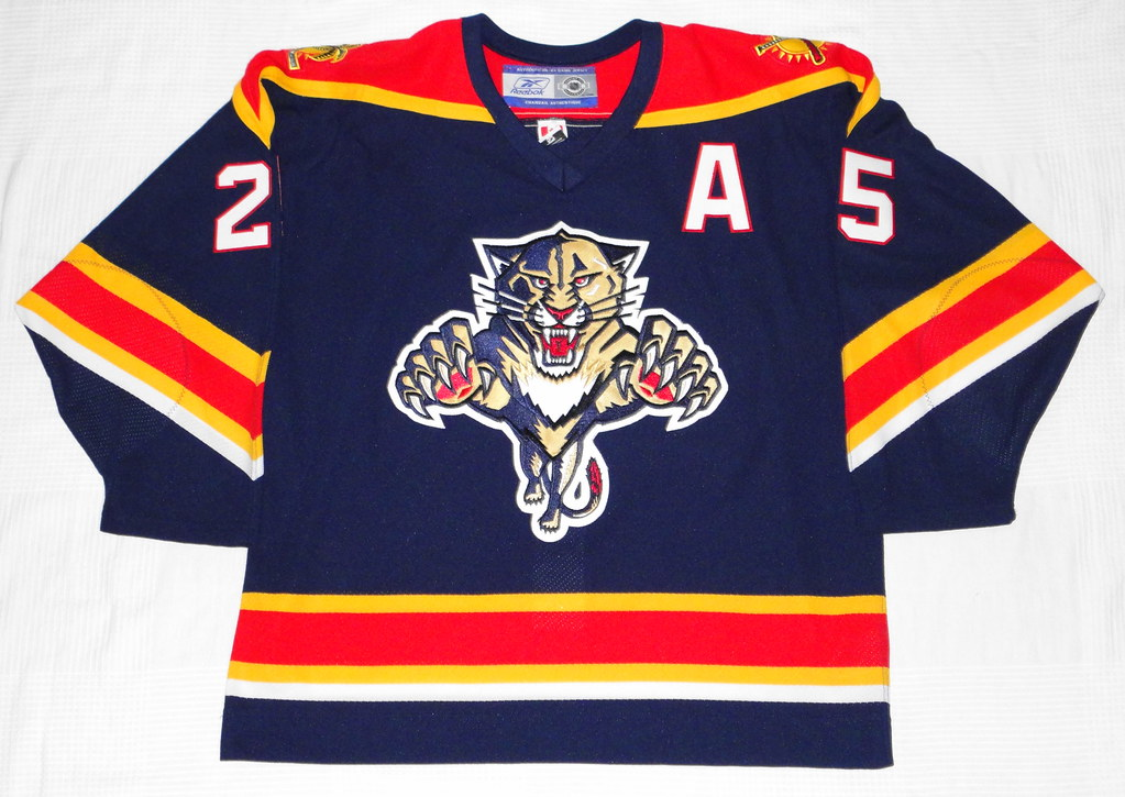 2005-06 Joe Nieuwendyk Florida Panthers Home Jersey Front