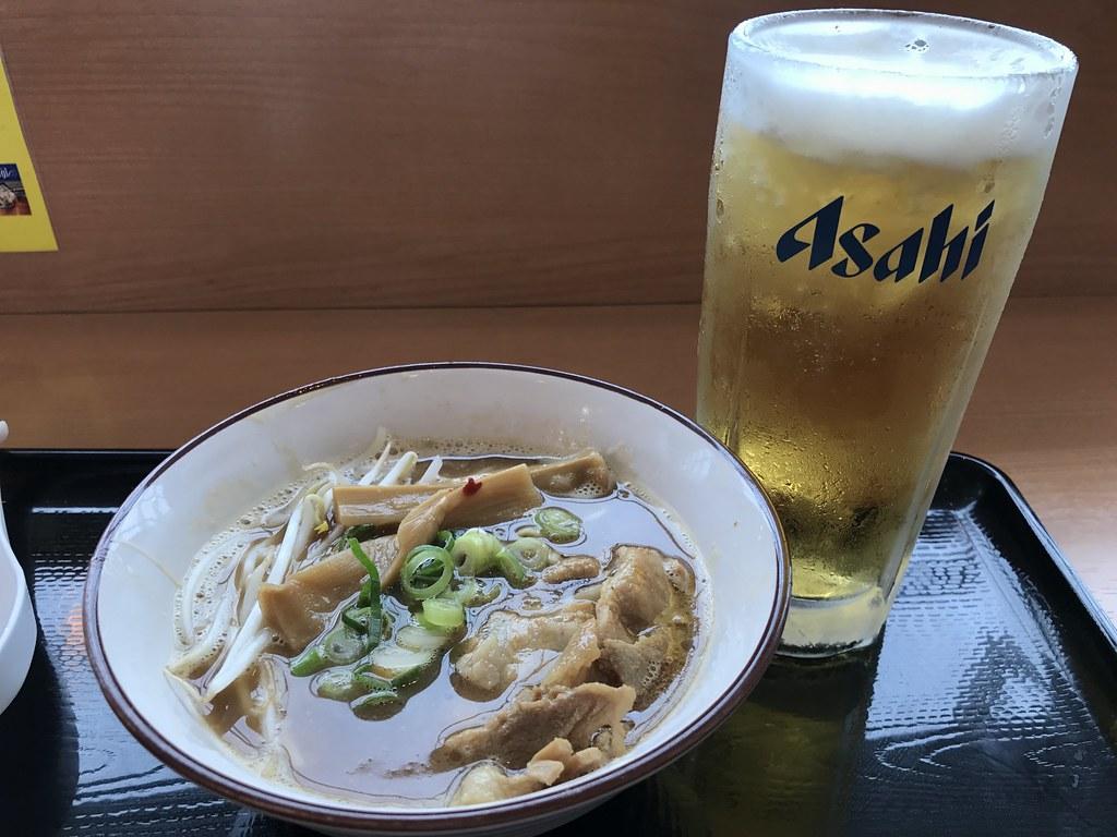 徳島空港で食べた〆の'徳島ラーメン(ハーフサイズ)