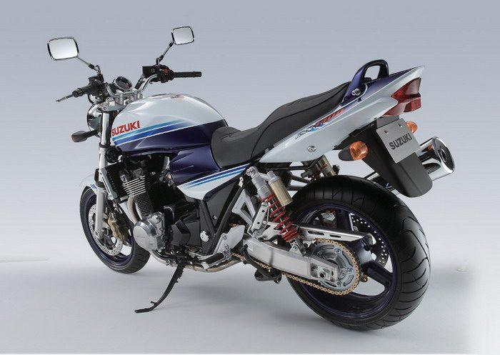 Suzuki GSX 1400 2003 - 27