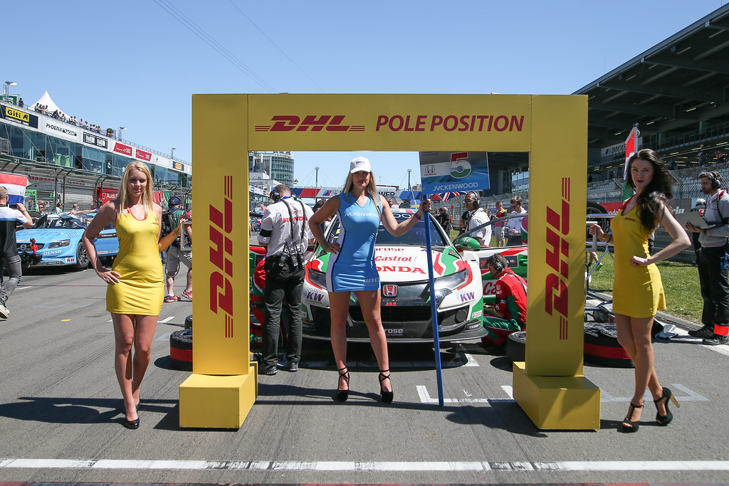05 MICHELISZ Norbert (hun), Honda Civic team Castrol Honda WTC, grille de depart starting grid girl ambiance DHL Pole Position during the 2017 FIA WTCC World Touring Car Race of Nurburgring, Germany from May 26 to 28 - Photo Antonin Vincent / DPPI