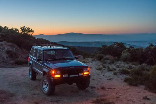 santaclarita california unitedstates sunset grassmountain antelopevalley desert lakehughes nikon d500 jeep cherokee xj us