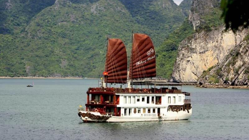 Heritage Line - Halong Violet Cruise 1
