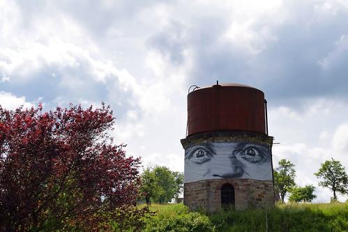 Le réservoir d'eau pour les trains à vapeur de la gare de Diemeringen
