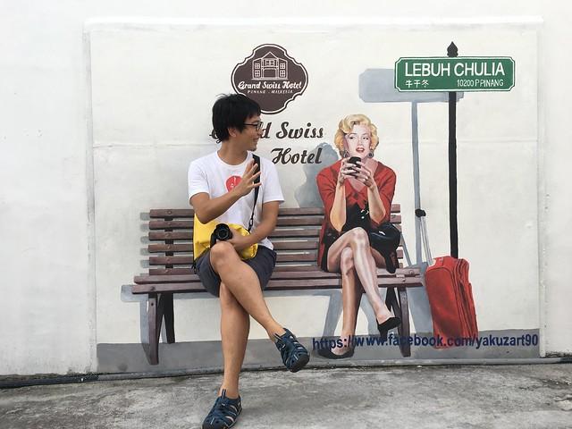 ペナン島も壁画で有名。こっちのマリリンモンローには話しかけることができる。