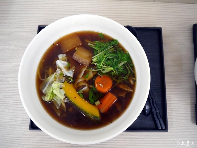 35250640162 a214640f57 b - 宥然手工麵館 | 中工三路生意很好的素食店,不加味精的天然蔬菜湯頭