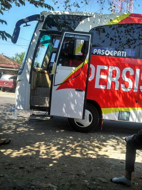Bus Rombongan