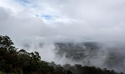 landscape weather australianlandscape australianweather winter view outlook tamborinemountain mounttamborine albertvalley clouds cloudscape forest mountainside valley glimpse sequeensland queensland australia