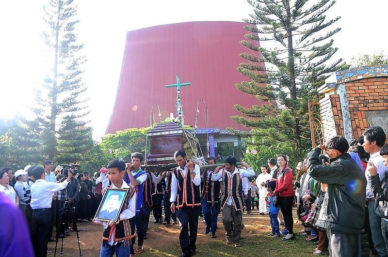 Thánh lễ An táng Cha Đaminh Phạm Mạnh Niệm C.Ss.R
