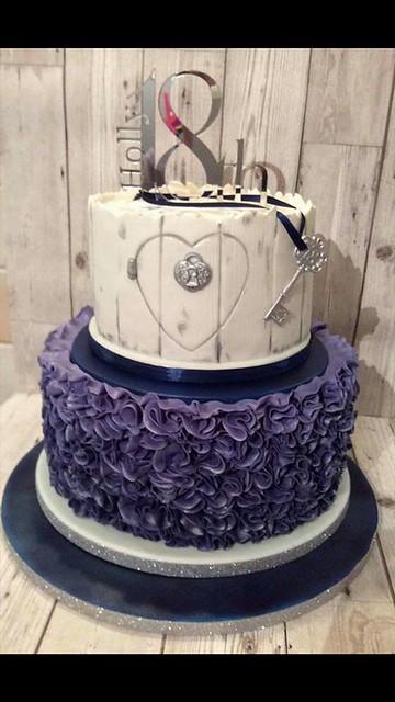 Cake by Emma Middleton of Fondant and Frills