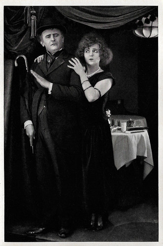 Eugen Klöpfer and Aud Egede Nissen in Die Strasse (1923)