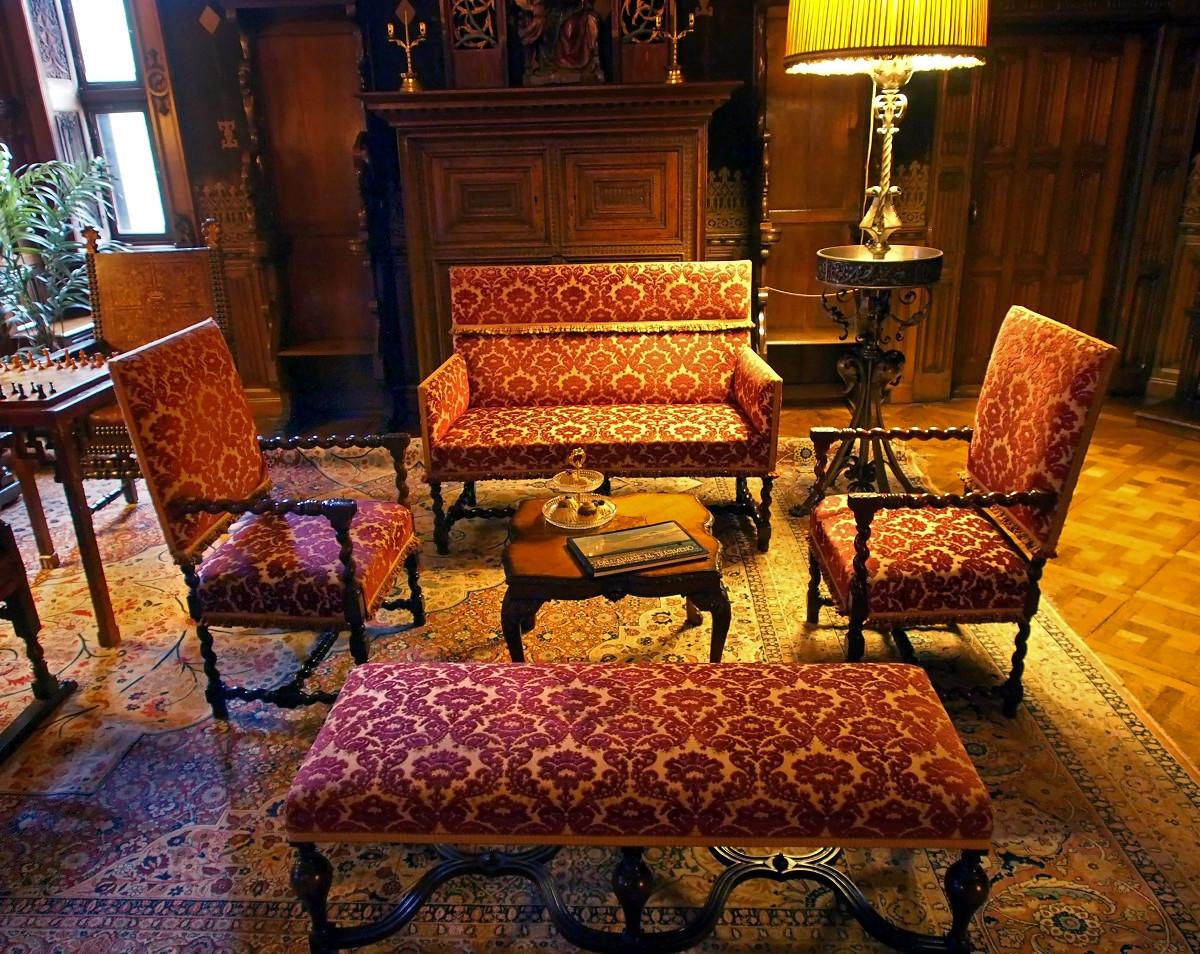 Castle de Haar interior. Credit Arjandb
