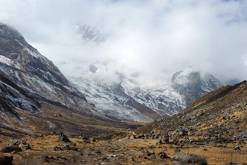 annapurnabasecampabc annapurnasouth montagnes nepal nuages
