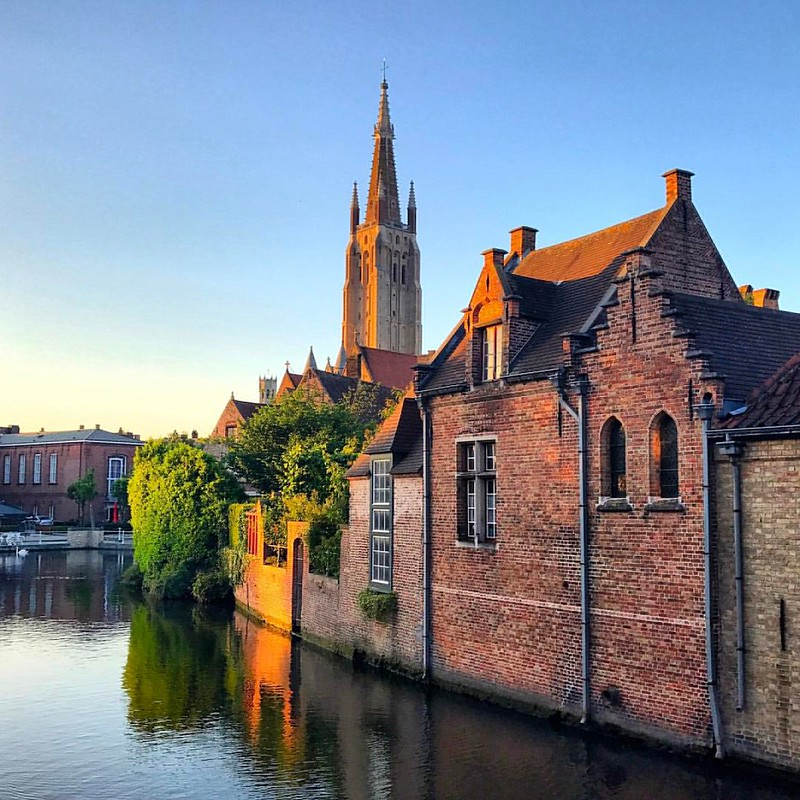 Who's been to Bruges?  If you happen to be travelling close to Belgium, grab a short train ride from Brussels and check out this cozy little location.   Happy I could stop off for a day and managed to just in time checkout a stunning sunset.  Was Great st