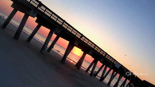 tybee island ga sunrise sheldn sky blue yellow ocean water dock pier sand beach canon t5i