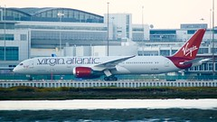 Virgin Atlantic Boeing 787 -9 G-VCRU taxis to the international gate DSC_0274