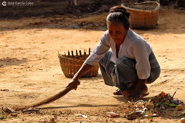11-10-08 Myanmar (214) Bagan R01