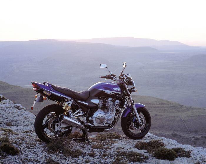 Yamaha XJR 1300 2000 - 0