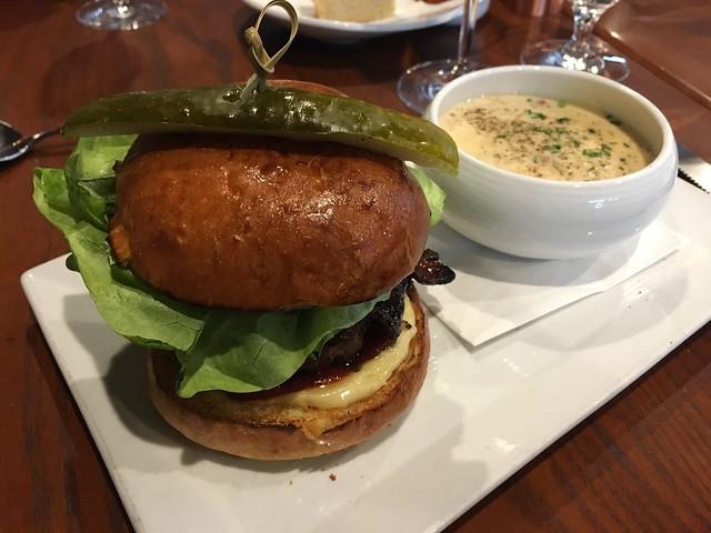 Beef burger - Barking Frog