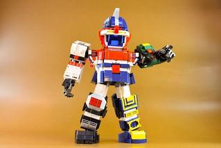 「六神合一的雷霆王 Woo~~~」 雷霆王也被樂高化啦!!樂高+合體機器人真的有夠狂~~