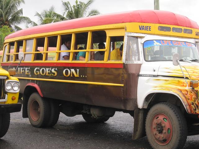 Local bus in Apia, Canon DIGITAL IXUS 200 IS