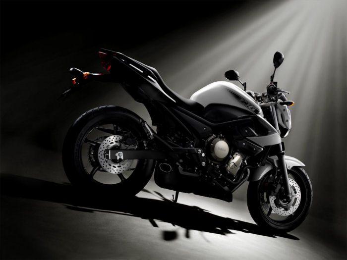 Yamaha XJ6 600 2013 - 24
