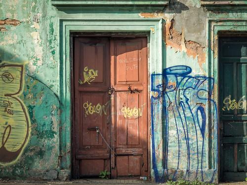 asunción paraguay py tür door gebäude haus house building graffiti