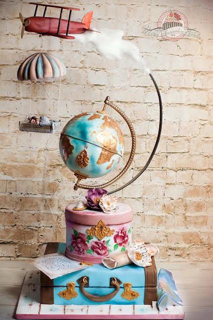 Gravity Airplane Wedding Cake by Katja Fischer of Miss Katharinchen's Kitchen – Motivtorten nach Ihren Wünschen