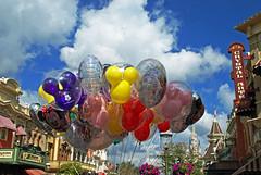 main st. balloons