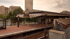 Back to more densely populated America, last stop before we arrive in DC! #train #maryland