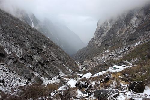 deurali montagnes neige nepal
