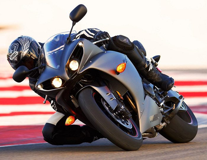 Yamaha YZF-R1 1000 2012 - 15