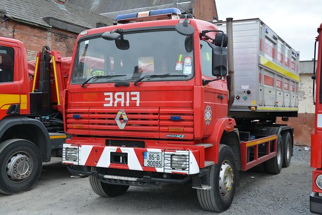 Dublin Fire Brigade 1995 Renault 340 Maxter Multilift PM 95D30095