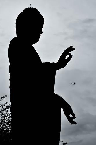 ushiku daibutsu ushikudaibutsu ibaraki japan silhouette plane statue giant stone sky sunset timing nikon nikondslr nikond5000 nikonlens kitlens black white blackandwhite monochrome landmark sightseeing travel tourist travelphoto travelphotography ニコンカメラ ニコンdslr ニコン ニコンレンズ ニコンd5000 日本 牛久 茨城県 茨城 大仏 牛久大仏