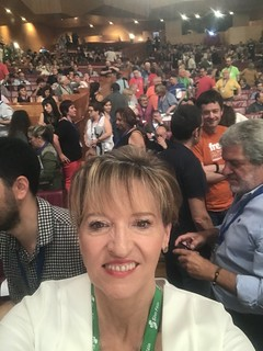 Martina Anderson with a section of the crowd at the EH Bildu conference.