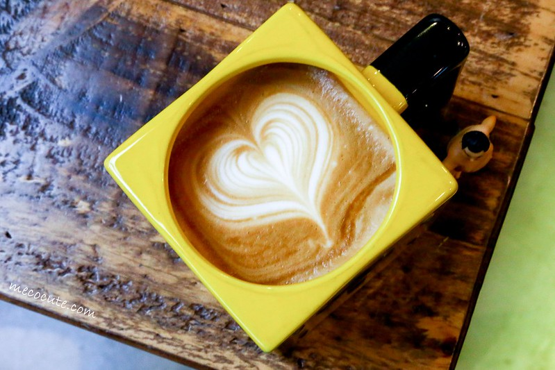 ILHA FORMOSA CAFÉ,ILHA FORMOSA CAFÉ價位,ILHA FORMOSA CAFÉ地址,ILHA FORMOSA CAFÉ捷運,ILHA FORMOSA CAFÉ菜單,中山站咖啡,中山站咖啡館,台北不限時咖啡館,台北咖啡館,赤峰街,赤峰街咖啡,赤峰街美食,雙連站咖啡館 @陳小可的吃喝玩樂