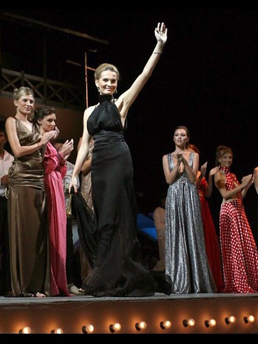 Vera Radanović fashion show took place at the Guca Trumpet Festival on 10th  August 2007.  60000 people were present at the event. Fashion designer Vera Radanovic