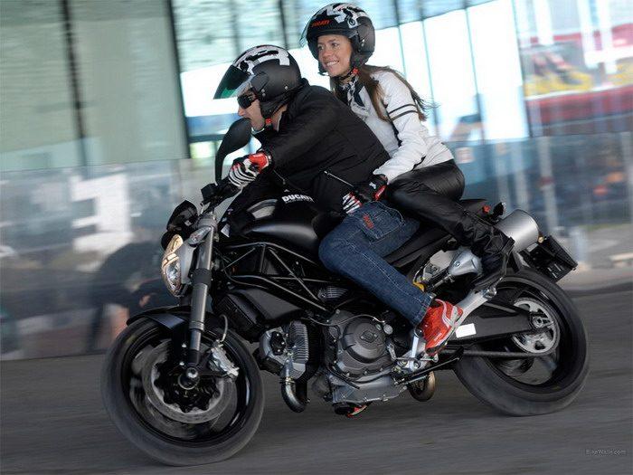 Ducati 696 MONSTER 2008 - 28