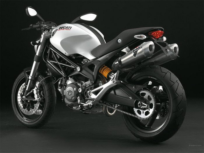 ducati 696 monster 2008 galerie moto motoplanete. Black Bedroom Furniture Sets. Home Design Ideas