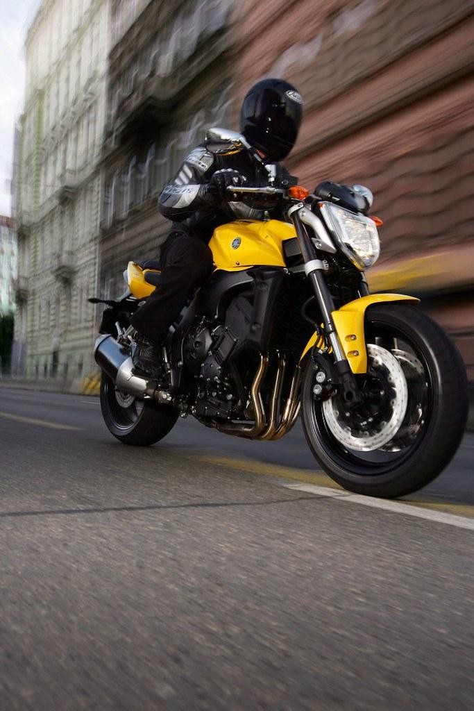 Yamaha FZ1 1000 2015 - 11