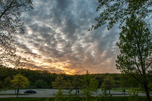 smack53 sunset clouds paintedsky sky sundown evening eveningsky trees car parkinglot spring springtime waywayandastatepark newjerseystatepark vernon newjersey nikon d300 nikond300