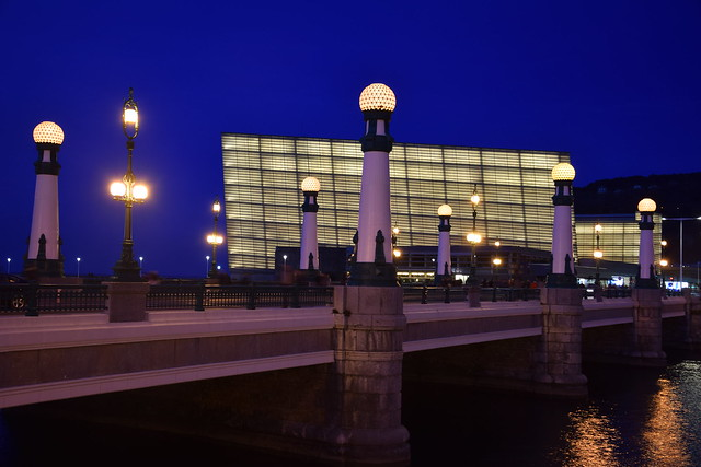 Puente Kursaal, Nikon D5300, AF-S DX VR Zoom-Nikkor 18-105mm f/3.5-5.6G ED