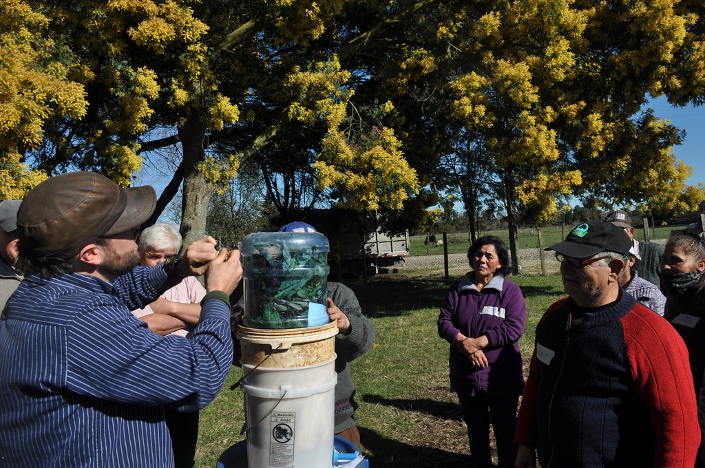 Mainstream provides organic recycling workshops to communities in Los Lagos, Chile